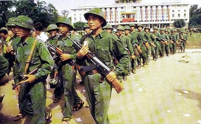 Vũ khí cá nhân của chiến sĩ Giải phóng quân trước khi có AK-47 - Ảnh 10.
