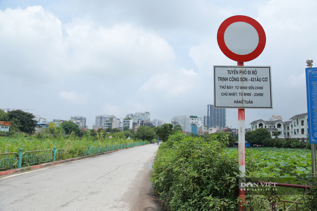 Hà Nội: Hồ Tây vắng vẻ lạ thường sau quy định mới - Ảnh 6.