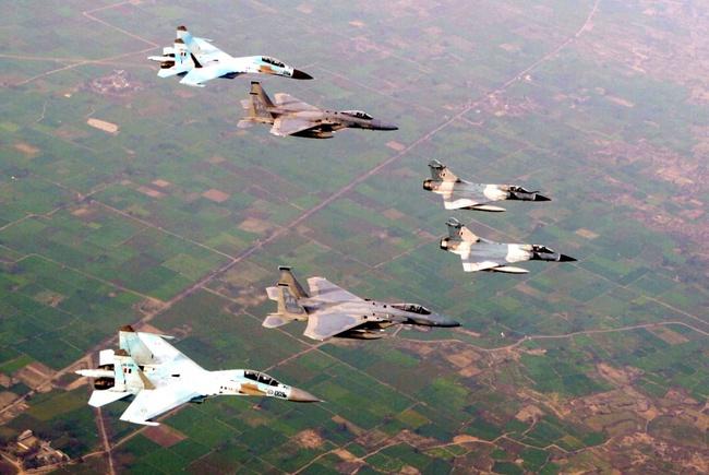 Lý do một đơn vị không quân Nga bị NATO ghét cay, ghét đắng - Ảnh 16.