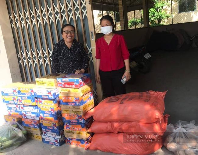 Báo Nông thôn Ngày nay/Dân Việt trao quà của bạn đọc đến người dân bị ảnh hưởng dịch Covid-19 ở TP.HCM - Ảnh 10.