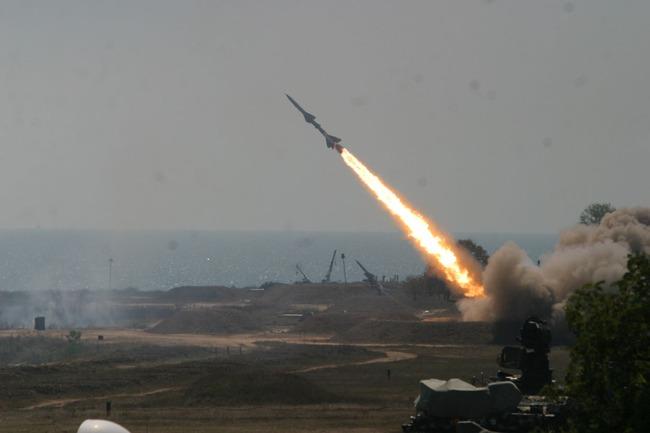 Cái kết khi Triều Tiên cố gắng bắn hạ máy bay nhanh nhất thế giới - Ảnh 4.