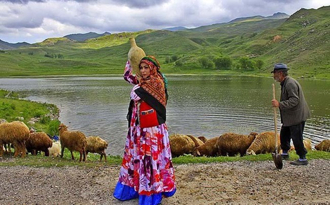 Bộ lạc du mục Qashqa'i chỉ cho phép đàn ông đa thê theo lựa chọn của vợ - Ảnh 5.