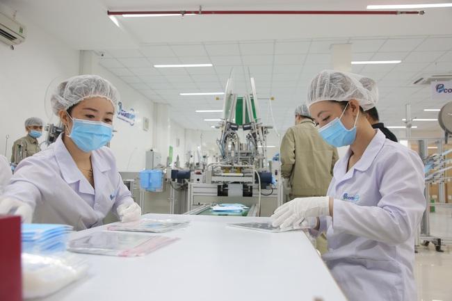 Triển vọng tăng trưởng kinh tế Việt Nam bị hạ xuống vì dịch Covid-19, chuyên gia nói gì? - Ảnh 2.
