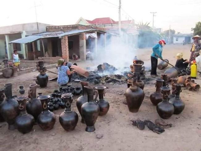 Độc đáo làng nghề gốm cổ Bàu Trúc của người Chăm tỉnh Ninh Thuận - Ảnh 3.