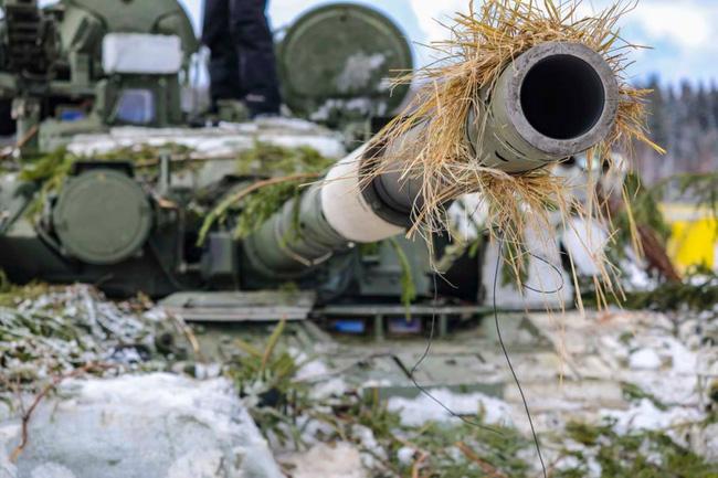 Nhan sắc đẹp mê lòng người của nữ quân nhân thiết giáp Nga - Ảnh 9.