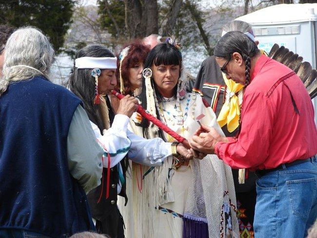 Trật tự ngược khi yêu theo tục lệ của bộ lạc thổ dân Pueblo - Ảnh 2.