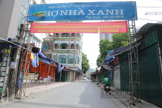 Cận cảnh 'vườn không nhà trống' ở khu chợ sinh viên nổi tiếng nhất Thủ đô - Ảnh 1.