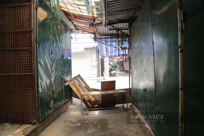Cận cảnh 'vườn không nhà trống' ở khu chợ sinh viên nổi tiếng nhất Thủ đô - Ảnh 6.