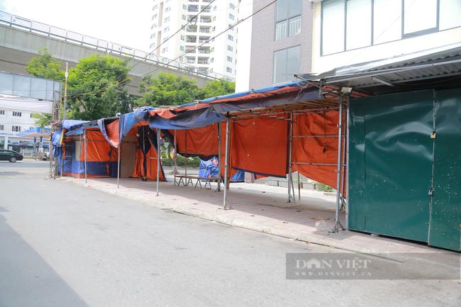 Cận cảnh 'vườn không nhà trống' ở khu chợ sinh viên nổi tiếng nhất Thủ đô - Ảnh 10.