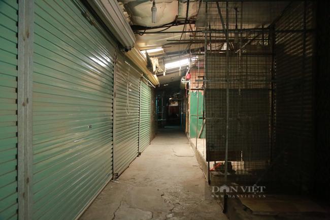 Cận cảnh 'vườn không nhà trống' ở khu chợ sinh viên nổi tiếng nhất Thủ đô - Ảnh 3.