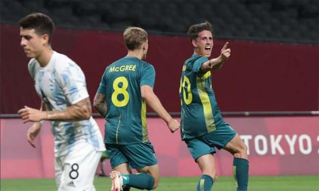 Kết quả bóng đá Olympic ngày 22/7: Argentina thua sốc Australia - Ảnh 1.
