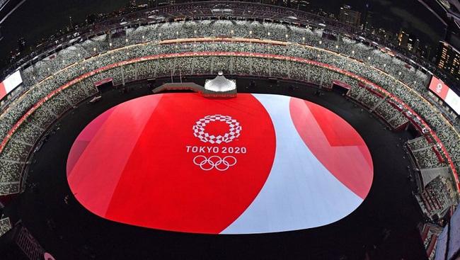 CHÙM ẢNH: Đoàn Việt Nam diễu hành tại lễ khai mạc Olympic 2020 - Ảnh 2.