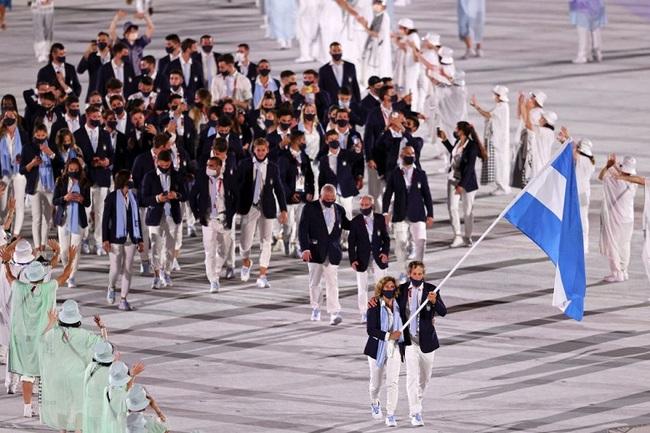CHÙM ẢNH: Đoàn Việt Nam diễu hành tại lễ khai mạc Olympic 2020 - Ảnh 9.