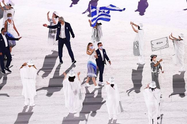 CHÙM ẢNH: Đoàn Việt Nam diễu hành tại lễ khai mạc Olympic 2020 - Ảnh 11.