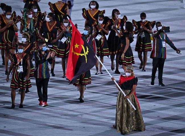 CHÙM ẢNH: Đoàn Việt Nam diễu hành tại lễ khai mạc Olympic 2020 - Ảnh 17.