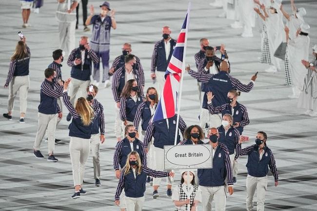 CHÙM ẢNH: Đoàn Việt Nam diễu hành tại lễ khai mạc Olympic 2020 - Ảnh 18.