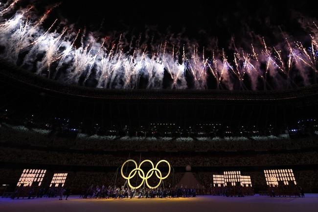 CHÙM ẢNH: Đoàn Việt Nam diễu hành tại lễ khai mạc Olympic 2020 - Ảnh 4.
