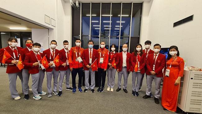 CHÙM ẢNH: Đoàn Việt Nam diễu hành tại lễ khai mạc Olympic 2020 - Ảnh 8.