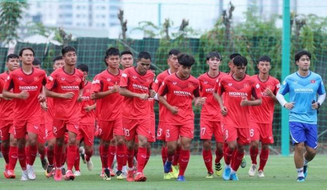 Chuyện nghịch lý giữa U23 Việt Nam và V.League 2021 - Ảnh 2.