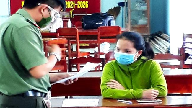 """Vĩnh Long: Đăng facebook """"phương pháp chữa bệnh Covid-19 tại nhà"""", người phụ nữ bị mời làm việc - Ảnh 1."""
