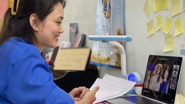 """Chân dài bóng chuyền Nguyễn Thu Hoài 1m75: Nghỉ dịch, thành """"cô giáo"""" dạy tiếng Anh - Ảnh 6."""