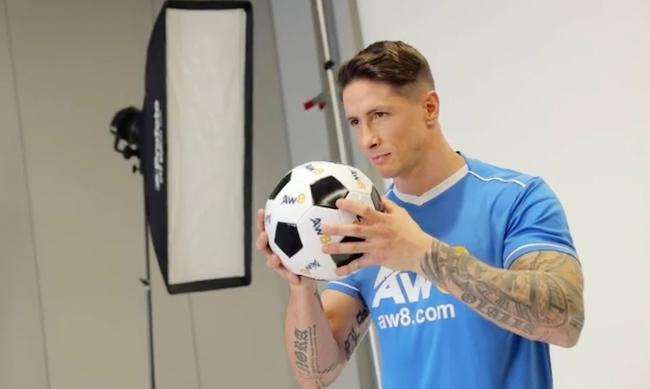 Torres dẫn đội trẻ Atletico Madrid.