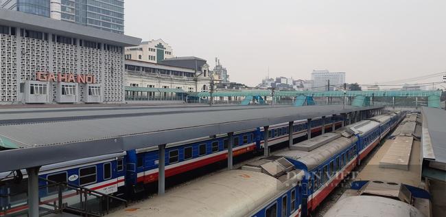 Chìm đắm trong thua lỗ, Đường sắt muốn tái cơ cấu thoái vốn ở Công ty - Ảnh 1.