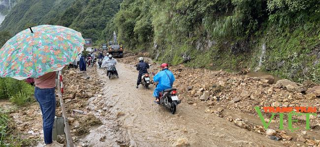 Lai Châu: Đảm bảo an toàn giao thông trong mùa mưa lũ - Ảnh 1.