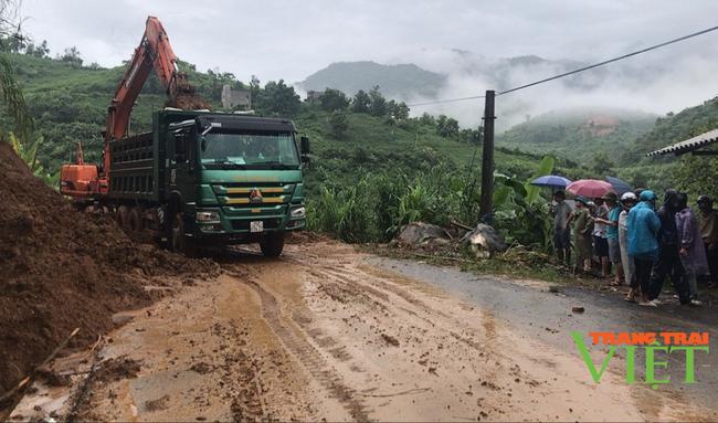 Lai Châu: Đảm bảo an toàn giao thông trong mùa mưa lũ - Ảnh 2.
