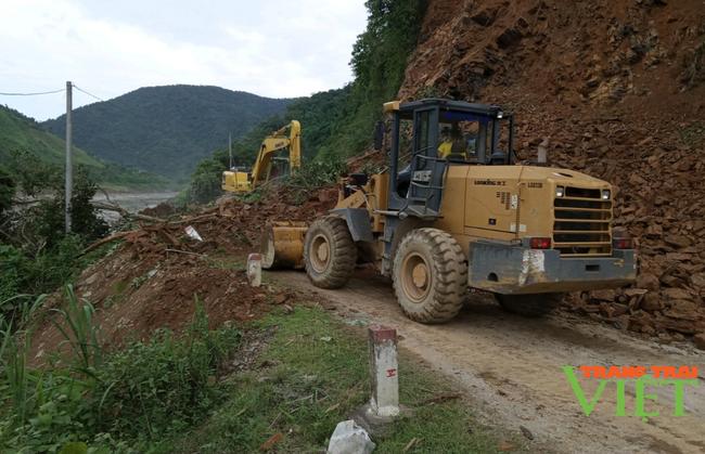 Lai Châu: Đảm bảo an toàn giao thông trong mùa mưa lũ - Ảnh 4.