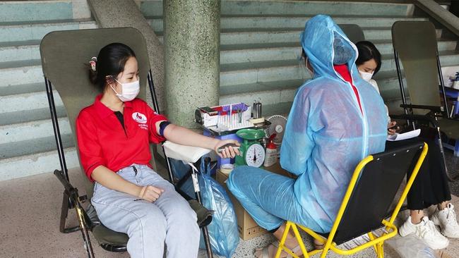 Cần Thơ: Nguồn máu dự trữ thiếu trầm trọng, chỉ ưu tiên cấp cứu - Ảnh 1.