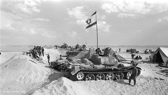 """Những lần đối đầu giữa Liên Xô và Mỹ khiến thế giới phải """"nín thở"""" - Ảnh 11."""