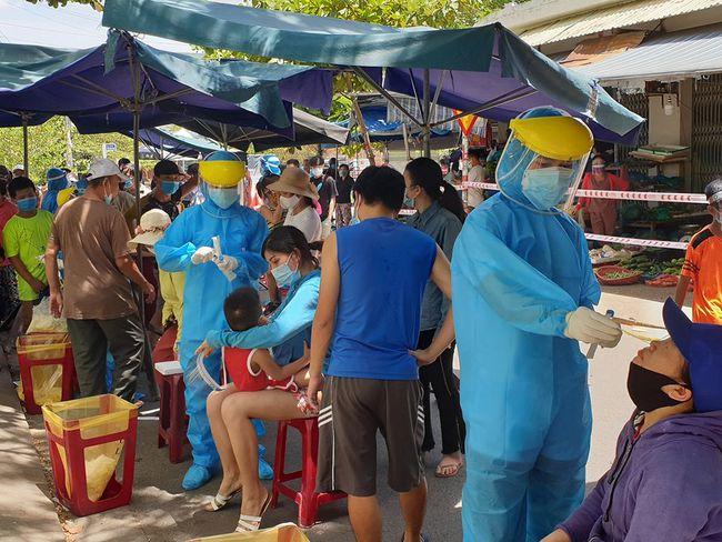 Đà Nẵng tạm phong tỏa một phường vì có nhiều ca Covid-19 liên quan Cảng cá Thọ Quang - Ảnh 1.