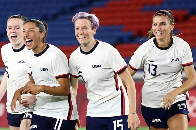 Alex Morgan: Cầu thủ xinh nhất ở bán kết bóng đá nữ Olympic 2020 - Ảnh 1.