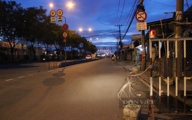 Đường Quốc lộ 1A thuộc Tam Bình, phía trước chợ Đầu mối nông sản Thủ Đức. Ảnh: Nguyên Vỹ