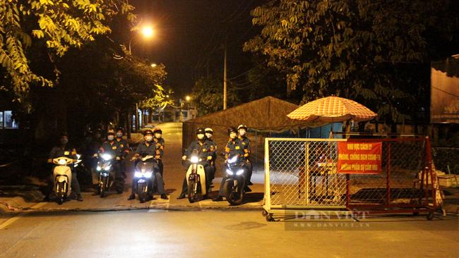 Chốt kiểm soát nối liền phường Tam Bình và phường Tam Phú gỡ phong tỏa. Ảnh: Nguyên Vỹ
