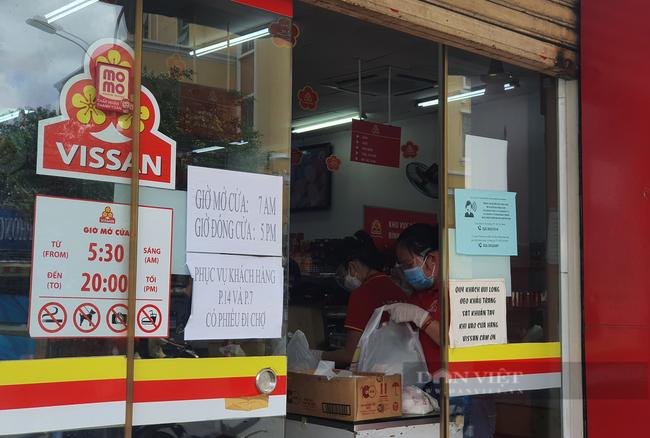 Khó mua thực phẩm, TP.HCM tăng giải pháp đảm bảo nhu cầu cho người dân - Ảnh 3.