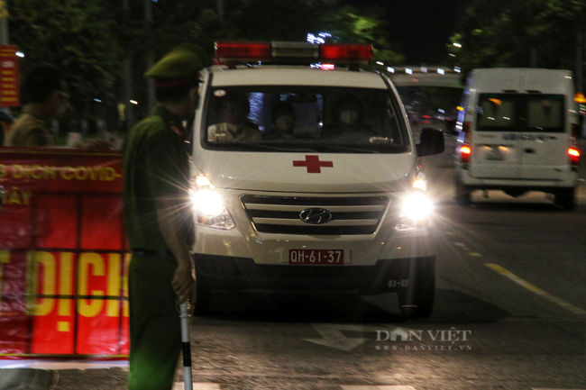 Ảnh: Nhiều người quay xe trong đêm đầu tiên Đà Nẵng giãn cách xã hội - Ảnh 5.
