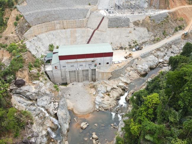 TT-Huế yêu cầu xả nước thủy điện Rào Trăng 4 để sẵn sàng tìm 11 người mất tích giữa lòng hồ  - Ảnh 2.