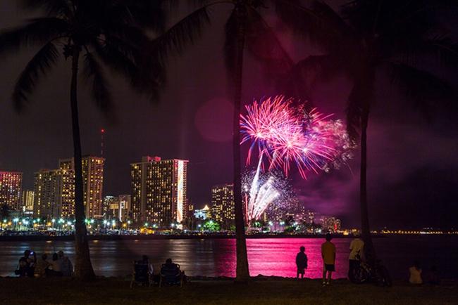 Mỹ: Hawaii quá tải du khách, khiến giới chức phải có động thái lạ - Ảnh 7.