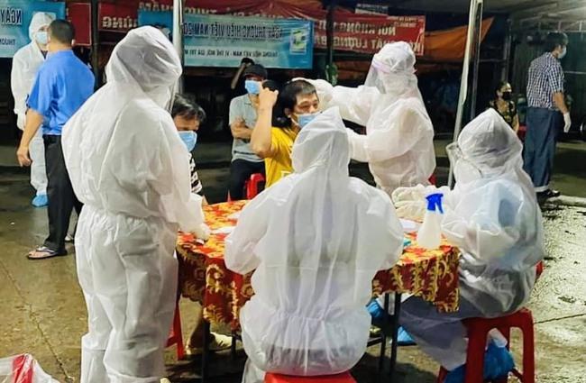 Đồng Nai: TP.Biên Hoà thêm 15 ca dương tính với SARS-CoV-2, đáng lo ngại 2 F0 chợ cá Hóa An - Ảnh 2.