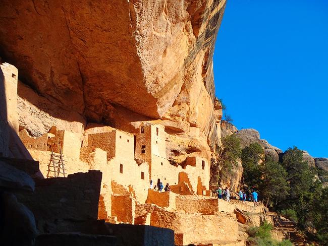 9 1625747255175466221898 Choáng với hang động hàng nghìn năm tuổi được điêu khắc vào vách núi