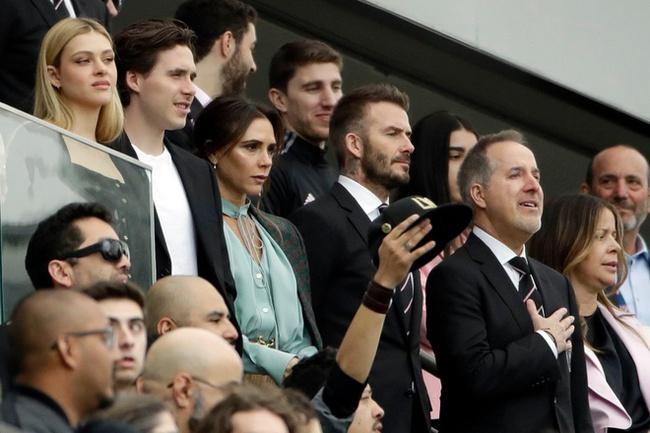 Victoria: Cô vợ xinh đẹp, lạnh lùng và quyền lực của Beckham - Ảnh 1.