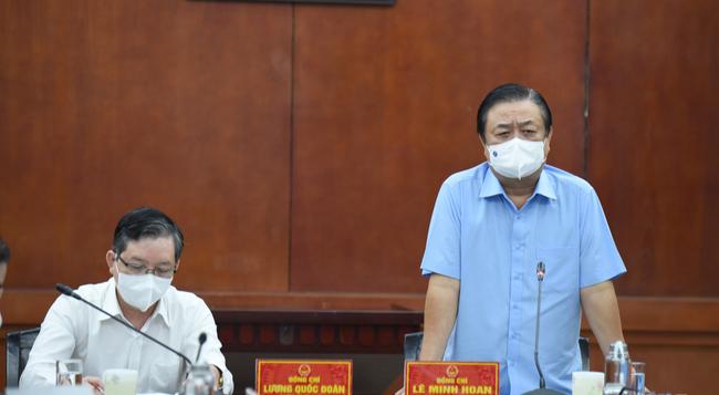 Hội Nông dân Việt Nam-Bộ NNPTNT: Phối hợp xây dựng hình ảnh người nông dân thông minh - Ảnh 1.