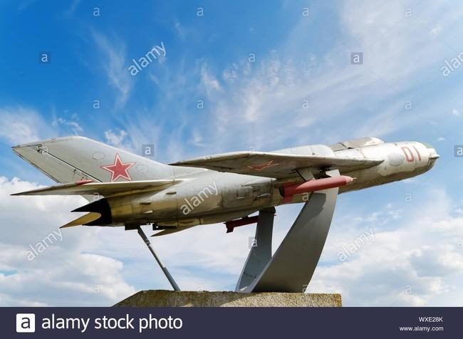 Tại sao Liên Xô không viện trợ trực tiếp MiG-19 cho Việt Nam? - Ảnh 13.