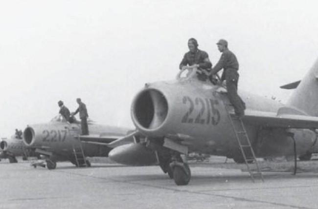Tại sao Liên Xô không viện trợ trực tiếp MiG-19 cho Việt Nam? - Ảnh 17.