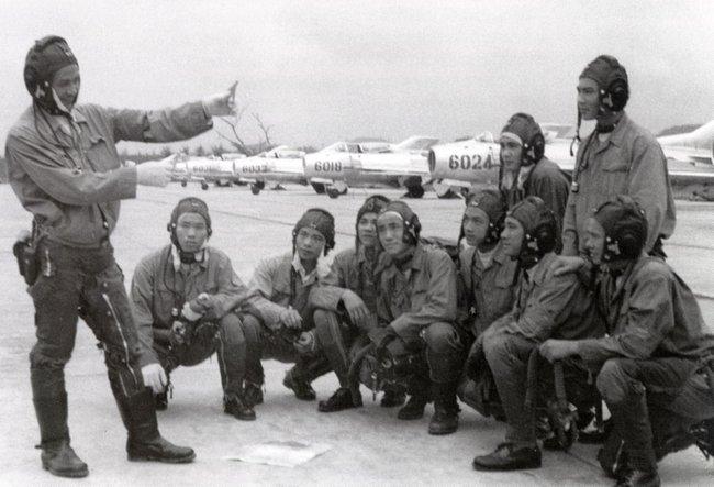 Tại sao Liên Xô không viện trợ trực tiếp MiG-19 cho Việt Nam? - Ảnh 18.