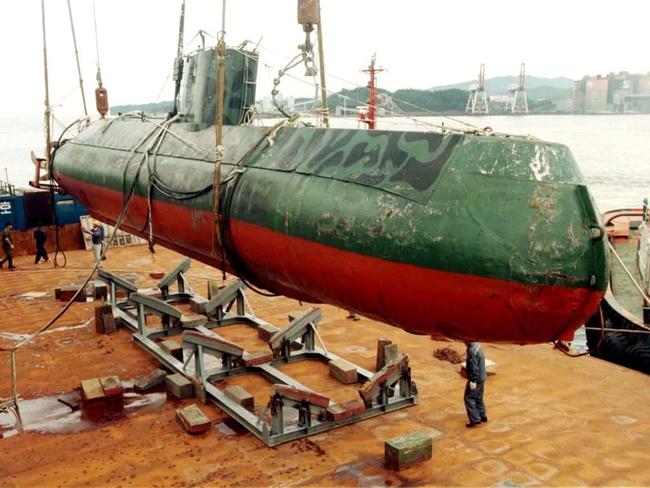 Tàu ngầm của Triều Tiên luôn là bí ẩn mà chưa có lời giải? - Ảnh 15.