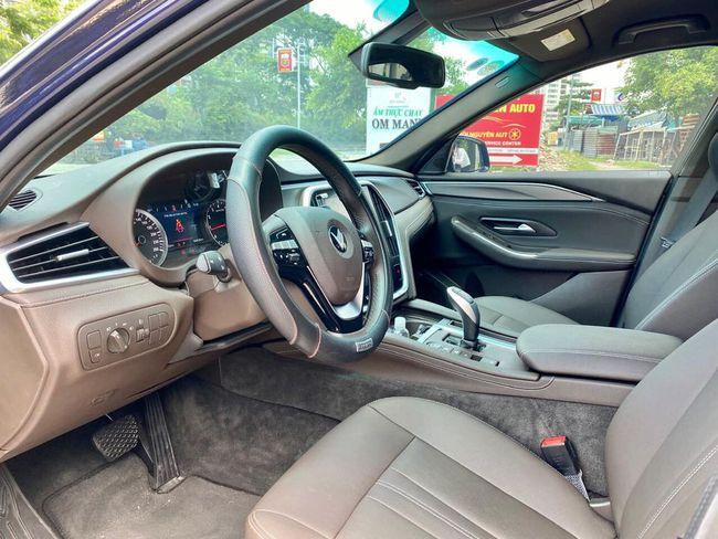 """VinFast Lux A2.0 thăng hoa, phân khúc sedan tầm 1 tỷ đồng """"nóng rực"""""""