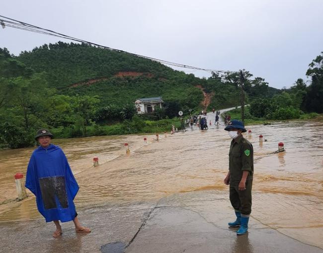 Thái Nguyên: Mưa lớn gây ngập úng, chia cắt nhiều tuyến đường - Ảnh 8.
